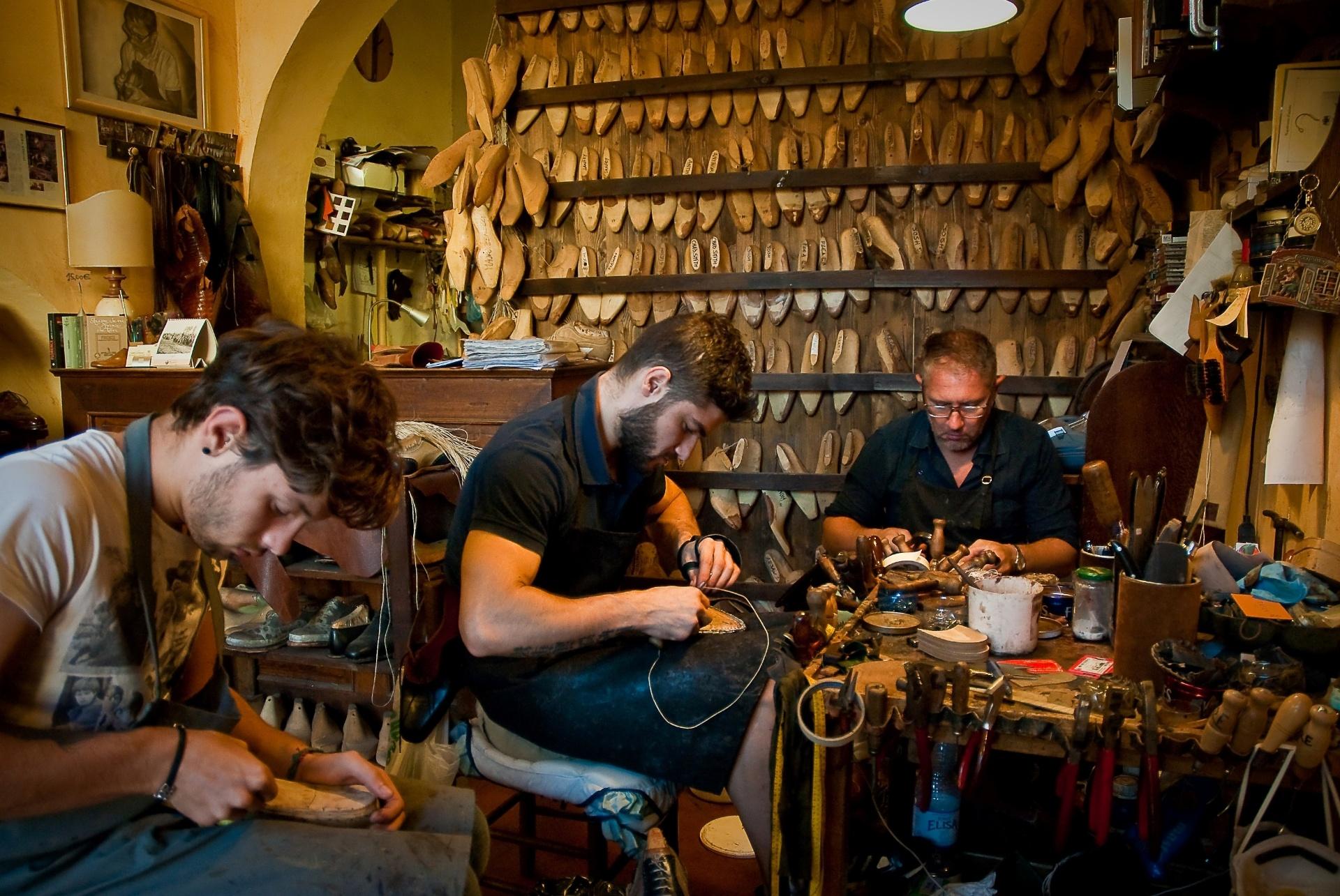 12b1e9dcf Esqueça as grifes famosas e explore ateliês e lojas artesanais de Florença