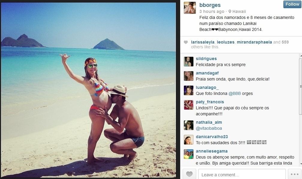 14.fev.2013 - Grávida de oito meses e em viagem ao Havaí, Bárbara Borges celebrou o