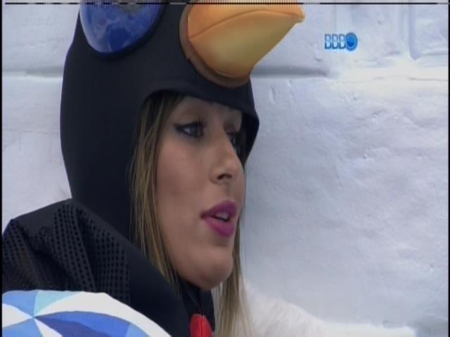 15.fev.2014 - Letícia esclarece questões com Marcelo