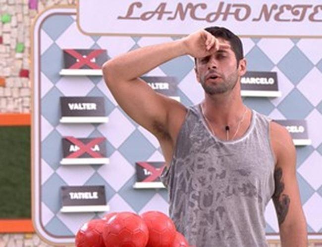 15.fev.2014 - Marcelo vence prova e é o novo anjo