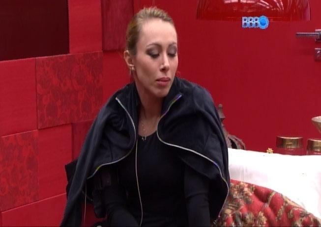 16.fev.2014 - Aline está certa que Letícia será eliminada no próximo paredão