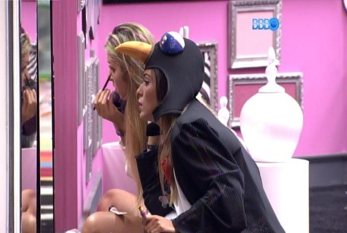 16.fev.2014 - Tatiele diz a Letícia que é preciso