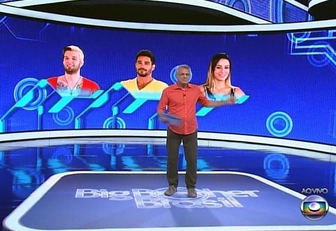 16.fev.2014 - Após os votos no confessionários, Bial anuncia os três emparedados da noite: Letícia (indicação da líder), Cássio (pela casa) e Diego (Big Fone) e