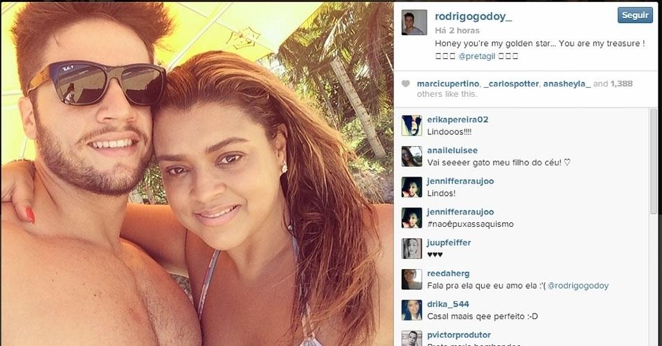 17.fev.2014 - Rodrigo Godoy, noivo de Preta Gil, surpreendeu amada com uma declaração de amor no Instagram