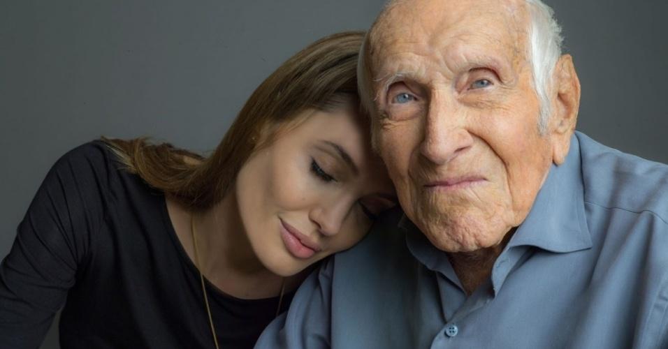 Angelina Jolie e Louis Zamperini, seu biografado em