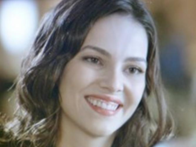 """""""Em Família"""", Marina propõe fazer uma festa de aniversário para Clara"""