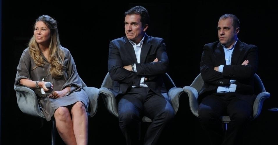 18.fev.2014 -  A Diretora Artística e de Programação do SBT, Daniela Beyruti, e os diretores Murilo Fraga e Fernando Pelegio apresentaram as novidades para a imprensa