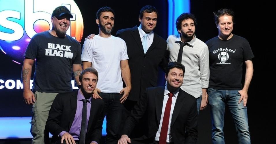 """18.fev.2014 - A equipe do """"The noite com Danilo Gentili"""" se reuniu para falar sobre o programa, que tem estreia prevista para o dia 10 de março"""