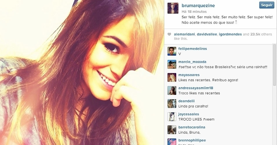 18.fev.2014 - Bruna Marquezine postou na madrugada desta terça-feira uma foto em que aparece sorrindo. Na legenda, a atriz filosofou