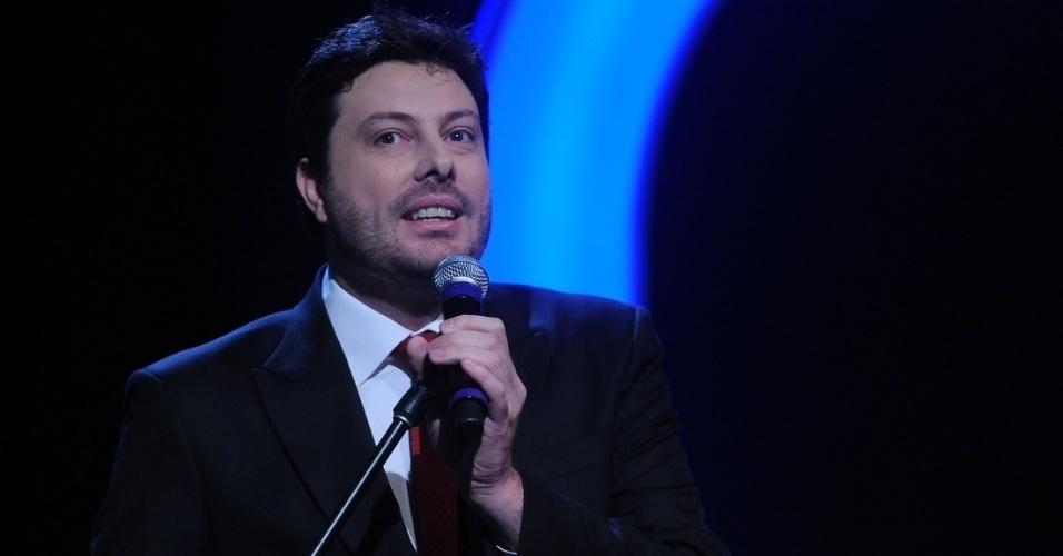 """18.fev.2014 - Dani Gentili está animado para a estreia de seu programa """"The Noite com Danilo Gentili"""" no dia 10 de março às 0h"""