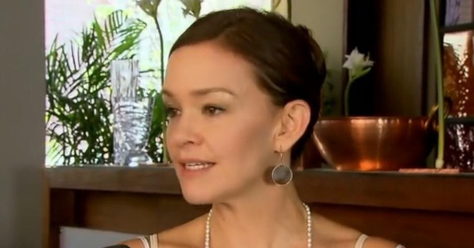 18.fev.2014 - Julia Lemmertz fala sobre a novela
