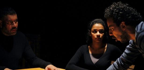 """Cena da peça """"Brasil...uma noite no Cairo"""" - Mostafa Abel-Aty"""