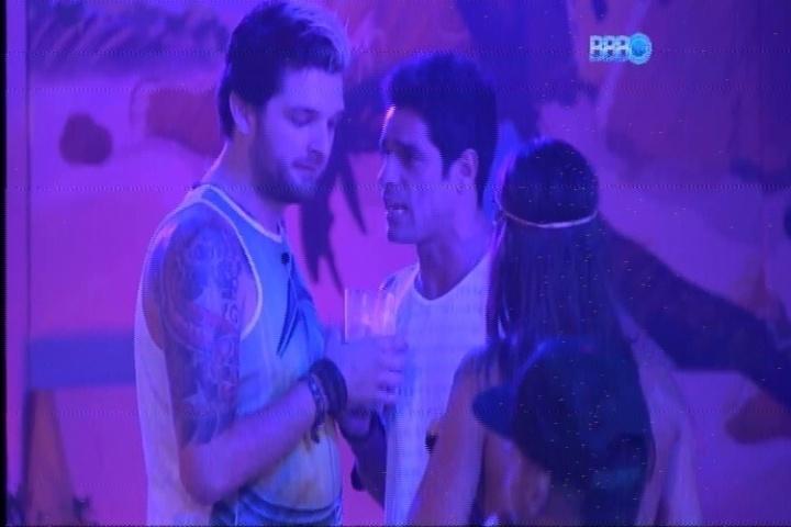 20.fev.2014 - Cássio e Diego competem