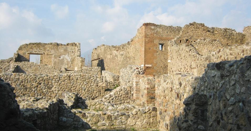Ruínas de casas da antiga Pompeia conseguem mostrar um pouco de como se organizava a vida na cidade destruída pelo Vesúvio