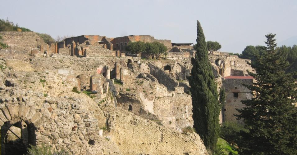 Vista da entrada Porta Marina, o principal acesso ao sítio arqueológico para quem chega de trem ao sítio arqueológico, vindo de Nápoles
