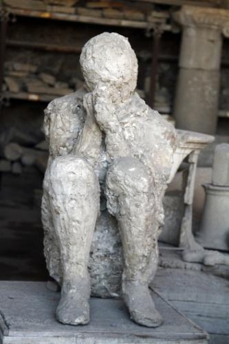 Pompeia permanece em excepcional estado de conservação por ter sido soterrada por uma chuva de cinzas