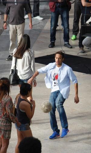 20.fev.2014 - Neymar grava comercial em Barcelona