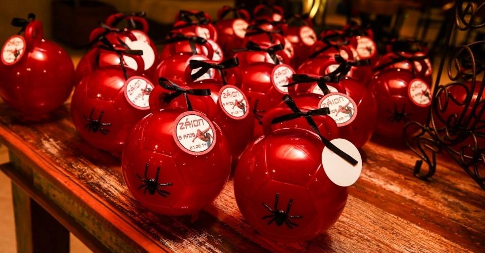 21.fev.2014 - Decoração do aniversário de cinco anos de Záion, filho de Mari Alexandre e Fábio Jr. A festa acontece em um buffet em Alphaville, em São Paulo