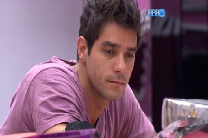 21.fev.2014 - Em conversa com Angela, Diego diz que quer ser o último líder do