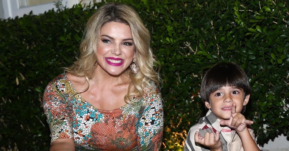21.fev.2014 - Mari Alexandre comemora o aniversário de Záion, seu filho com Fábio Jr. em São Paulo