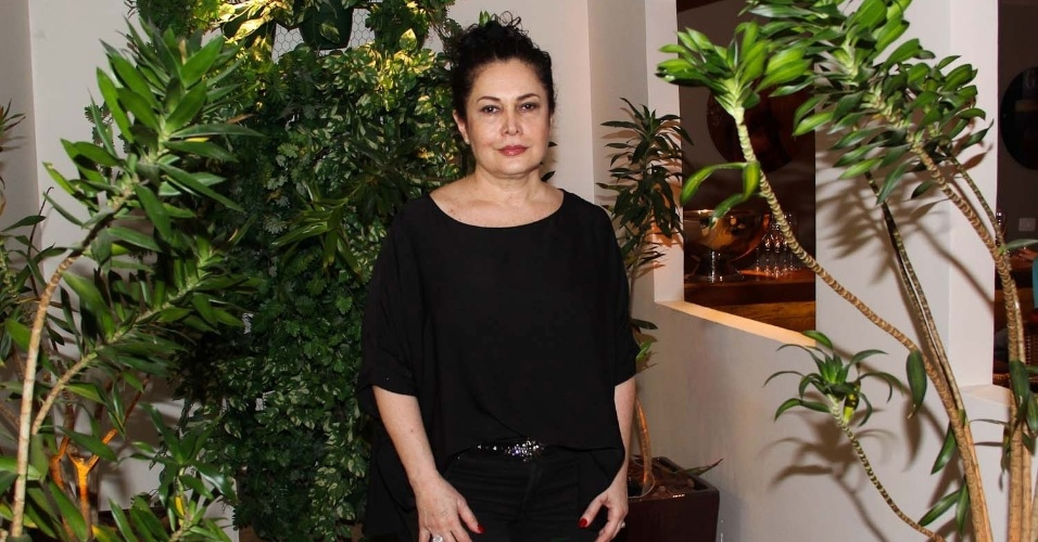 21.fev.2014 - Ex-mulher de Fábio Jr., Cristina Kartalian, também prestia o aniversário de Záion