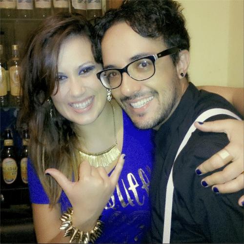 22.fev.2014 - Alisson curte balada em Belo Horizonte (MG) ao lado da ex-BBB e colunista do UOL Angélica Morango