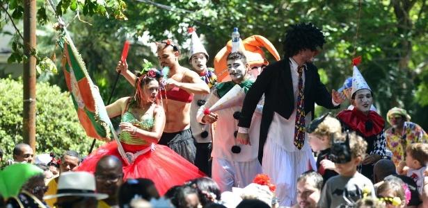 23.fev.2014 - Bloco Gigantes da Lira reúne bebês e crianças no Rio