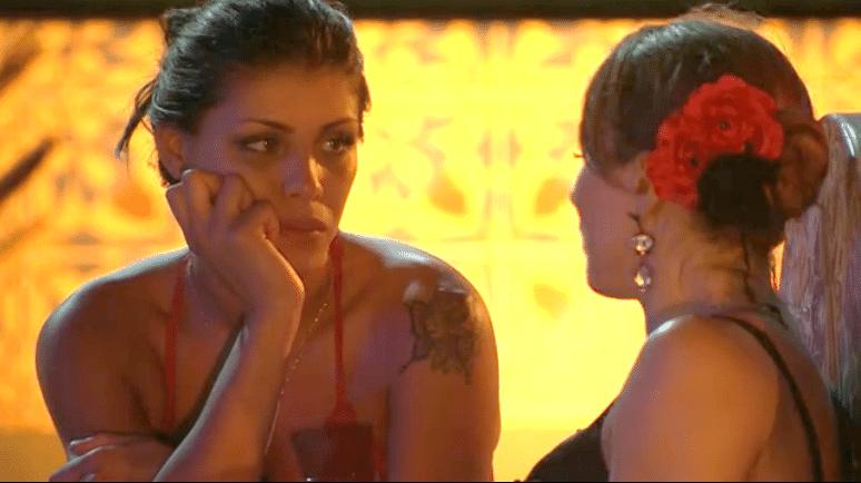 23.fev.2014 - Franciele tenta descobrir quem Aline colocará no paredão.