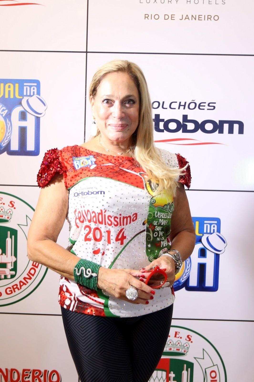 23.fev.2014 - Susana Vieira na Feijoada da Grande Rio no Hotel Royal Tulip, em São Conrado, na Zona Sul do Rio de Janeiro, na tarde deste domingo (23)