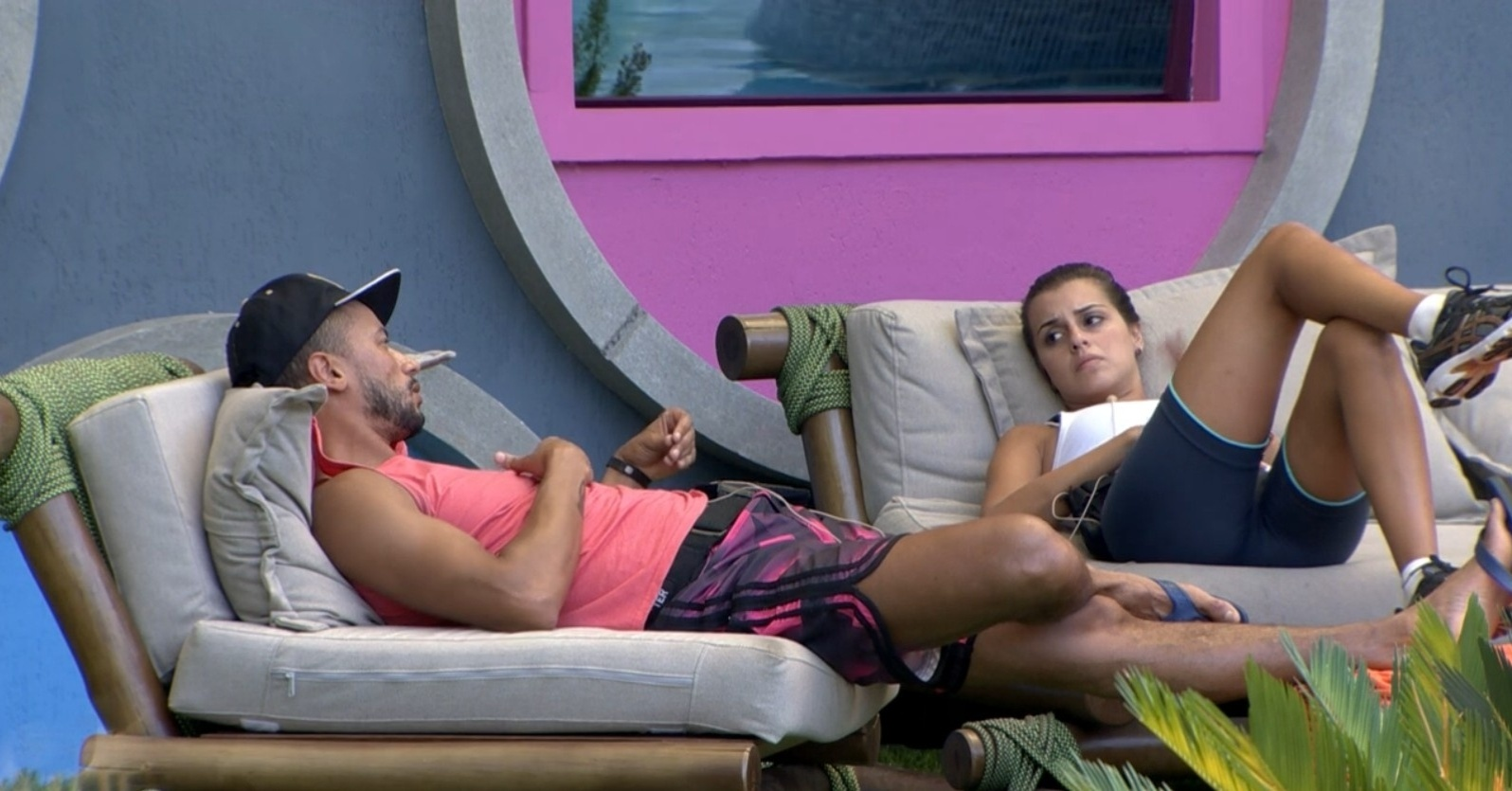 23.fev.2014 - Valter e Angela criticam atitude de Franciele com Cássio