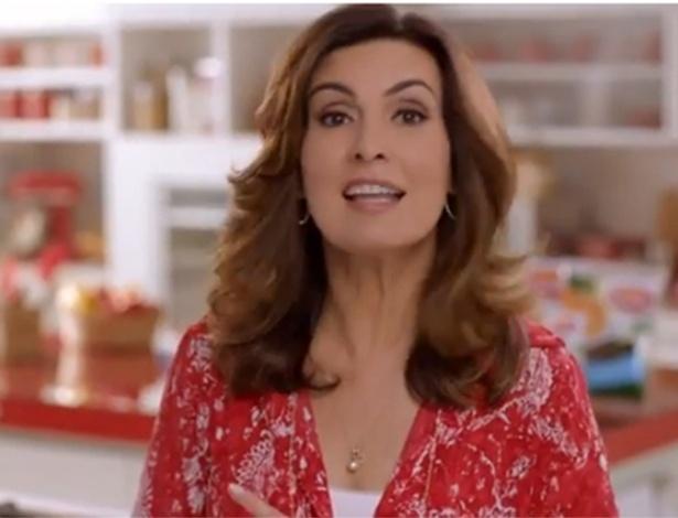 23.fev.2014- Fátima Bernardes vende linguiça e pizza em estreia como garota-propaganda