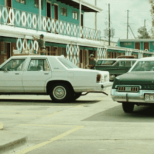 Ford LTD Crown Victoria 1988 e Dodge Monaco 1974 - Reprodução