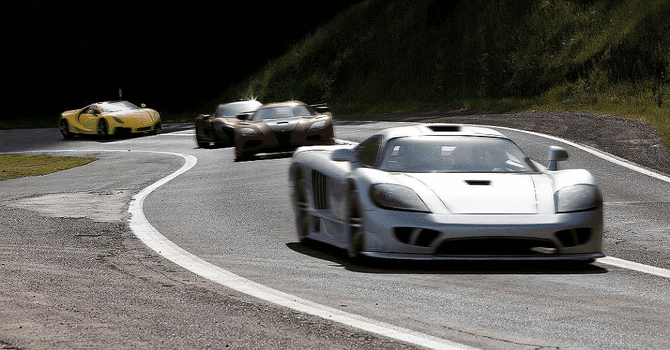 Pelotão de carros em Need for Speed - O Filme - Divulgação/Disney