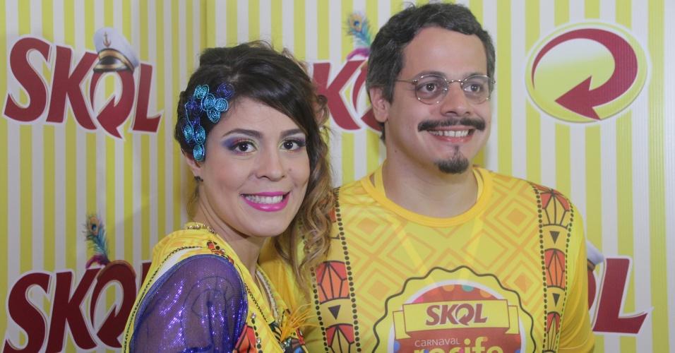 25.fev.2014 - A Ex-BBB Bella marca presença no Camarote Skol Marco Zero, em Recife. O evento, com show de Elba Ramalho, dá a largada ao Carnaval na capital pernambucana