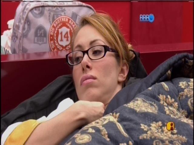 26.fev.2014 - Aline acha que saída de Roni foi melhor para Tatiele