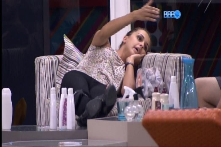 26.fev.2014 - Angela discute com Cássio: