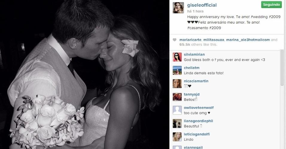 26.fev.2014 - Gisele Bundchen comemora aniversário de casamento e se declara para Tom Brady