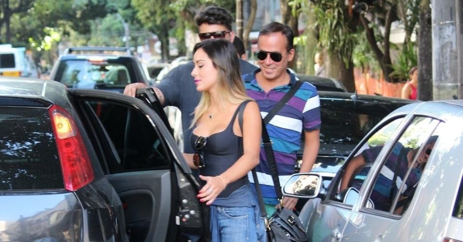 26.fev.2014 - Junior e Letícia almoçam juntos no Rio de Janeiro