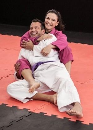 Malvino Salvador e Kyra Gracie assumiram o romance no fim de 2013