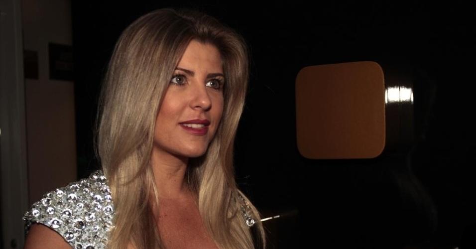 26.fev.2014 - Iris Stefanelli no show de Anitta na casa noturna Brook?s, em São Paulo