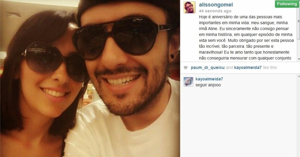 27.fev.2014 - Alisson parabeniza a irmã Aline no Instagram