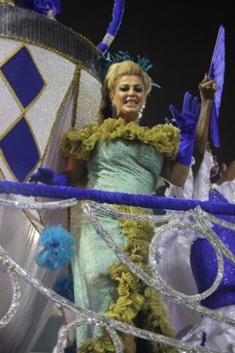 28.fev.2014 - Desfile das escolas de samba do Grupo de Acesso do Rio