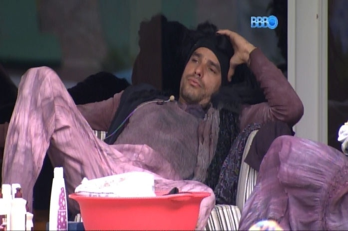 28.fev.2014 - Diego acredita que irá para o paredão ao lado da namorada Franciele