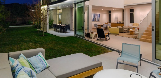 Arquitetos projetam casa autossuficiente em energia e adaptável à velhice (dos moradores e seus cães) - Trevor Tondro/ The New York Times