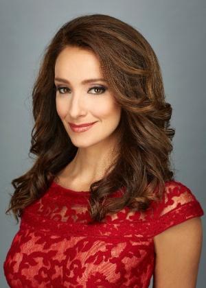 Sabrina Parlatore apresenta o Oscar no canal a cabo TNT