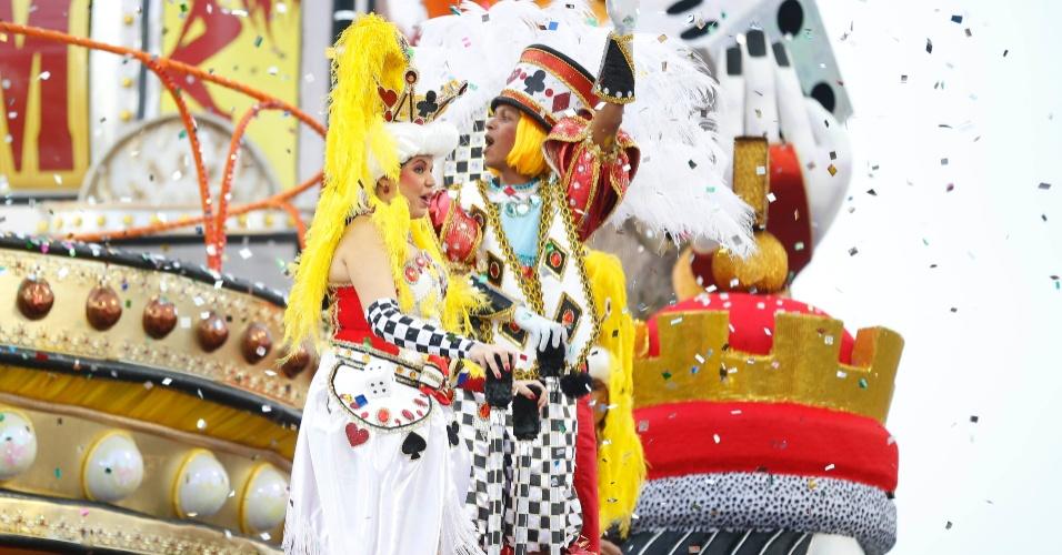 1º.mar.2014 - A Tom Maior foi a sétima a passar no primeiro dia de desfiles no Anhembi, em São Paulo