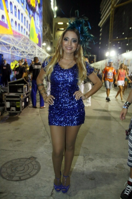 28.fev.2014 - Anitta faz show em camarote na Sapucaí, no Rio