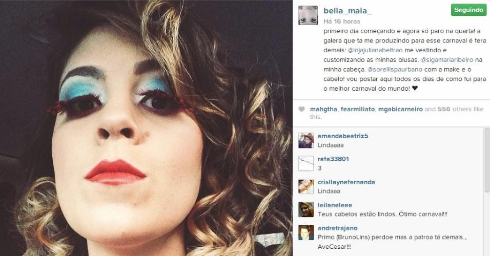 28.fev.2014 - Bella publica foto na primeira noite de Carnaval