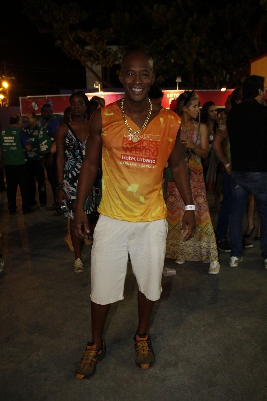 02.mar.2014- Lui Mendes assiste aos desfiles das escolas do Grupo de Acesso do Rio em camarote da Sapucaí