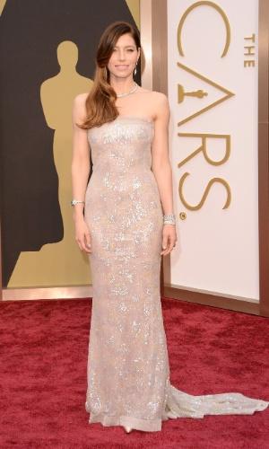 2.mar.2014 - A atriz Jessica Biel chega ao Oscar